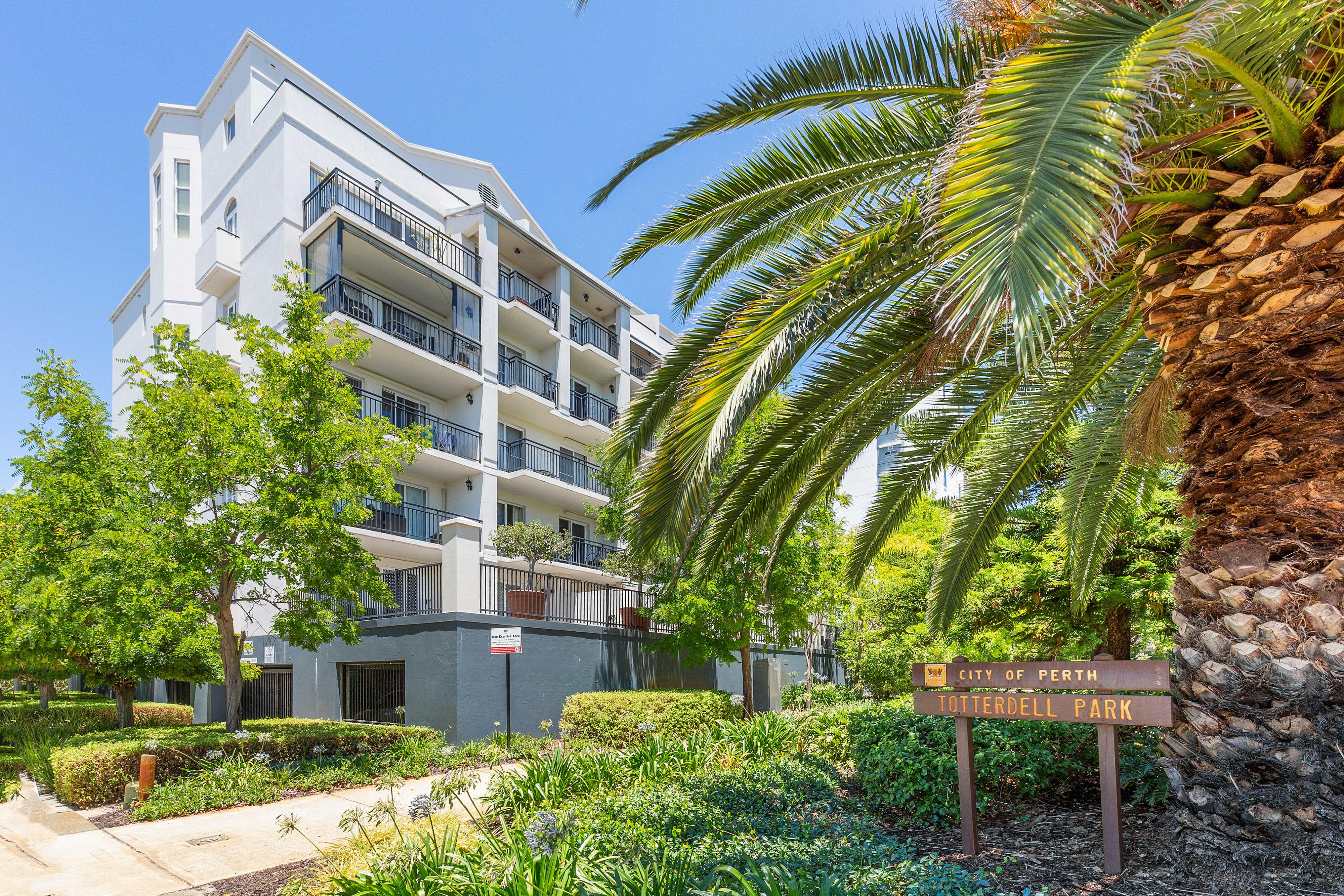PRINT 9w 161 Colin Street, West Perth 28