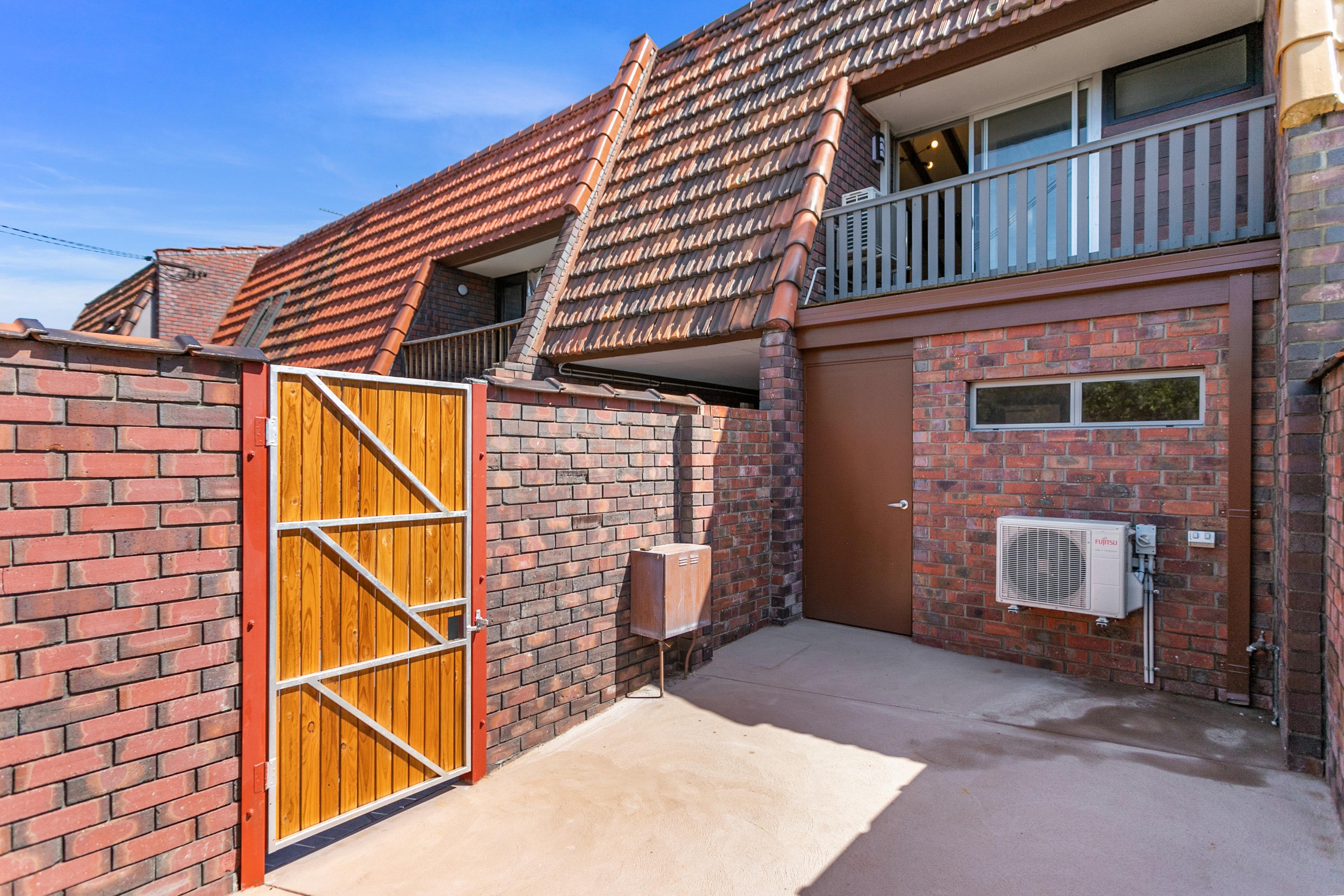 PRINT 35 Victoria St West Perth 36