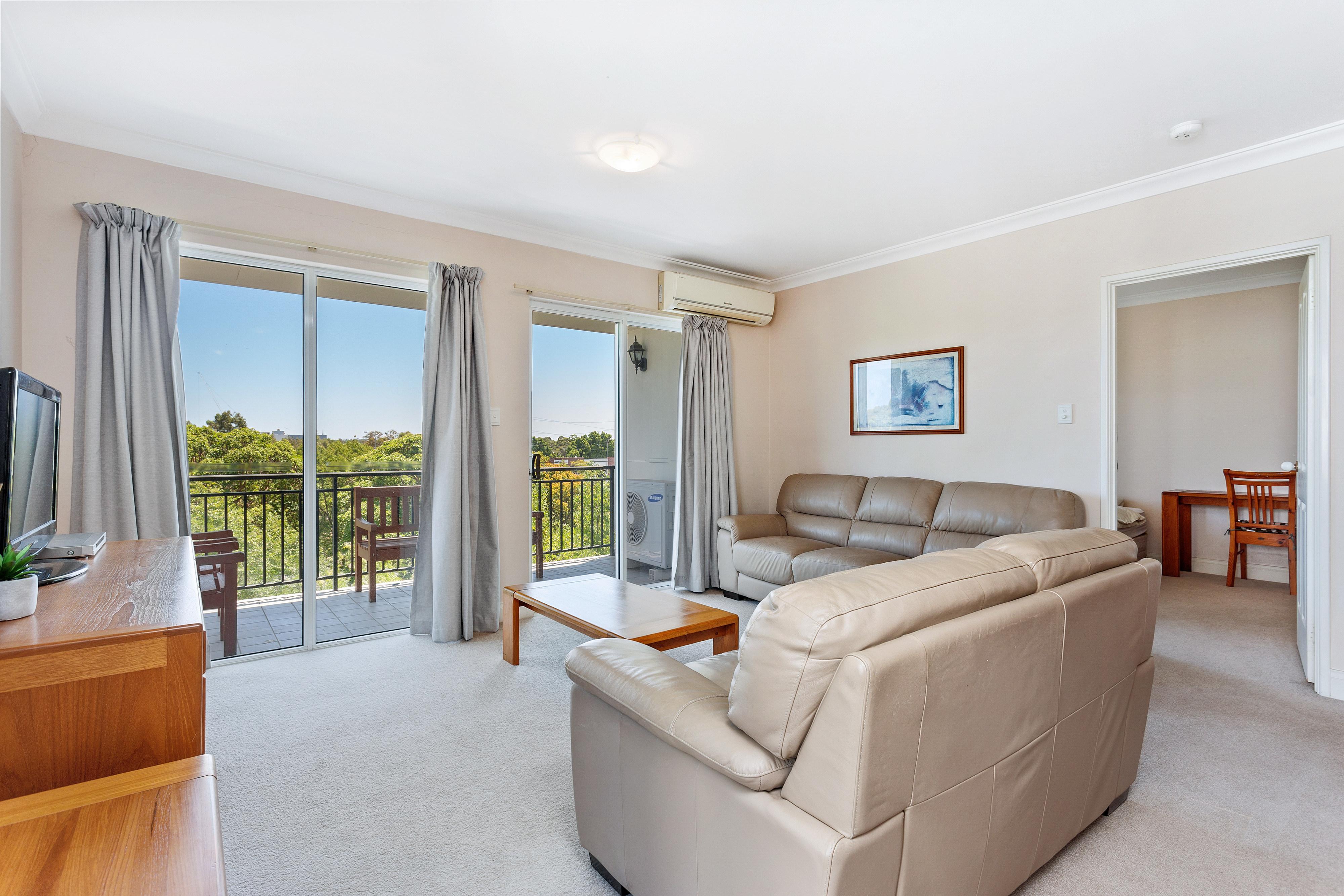PRINT 9w 161 Colin Street, West Perth 09