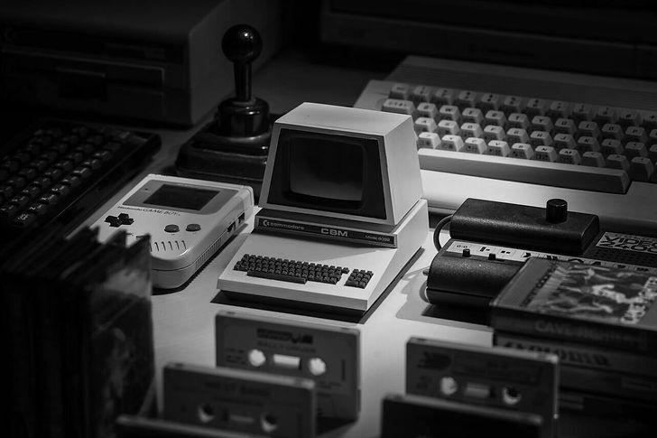 black and white retro computer.jpg