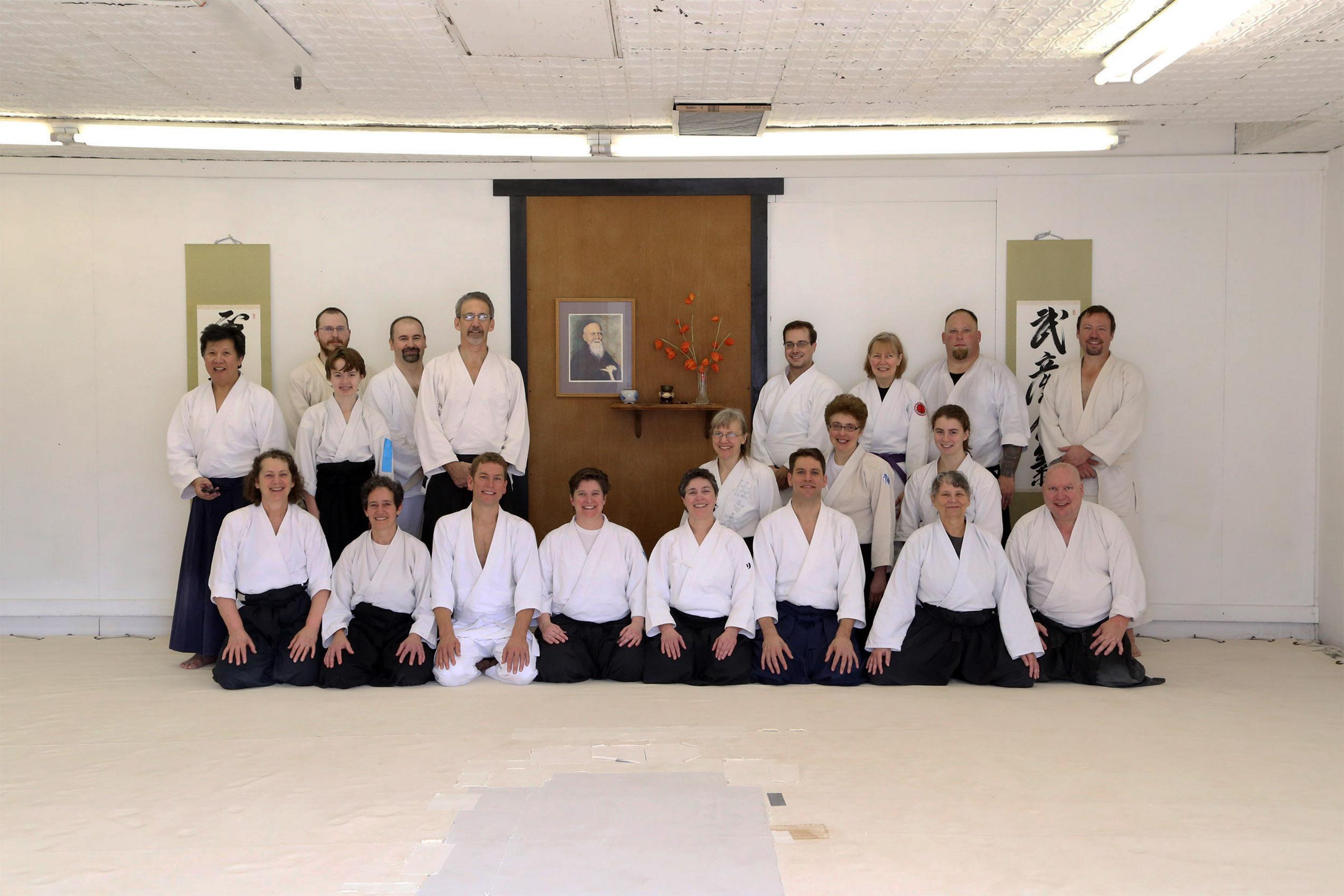 15_1122 Group pic at Marshall dojo