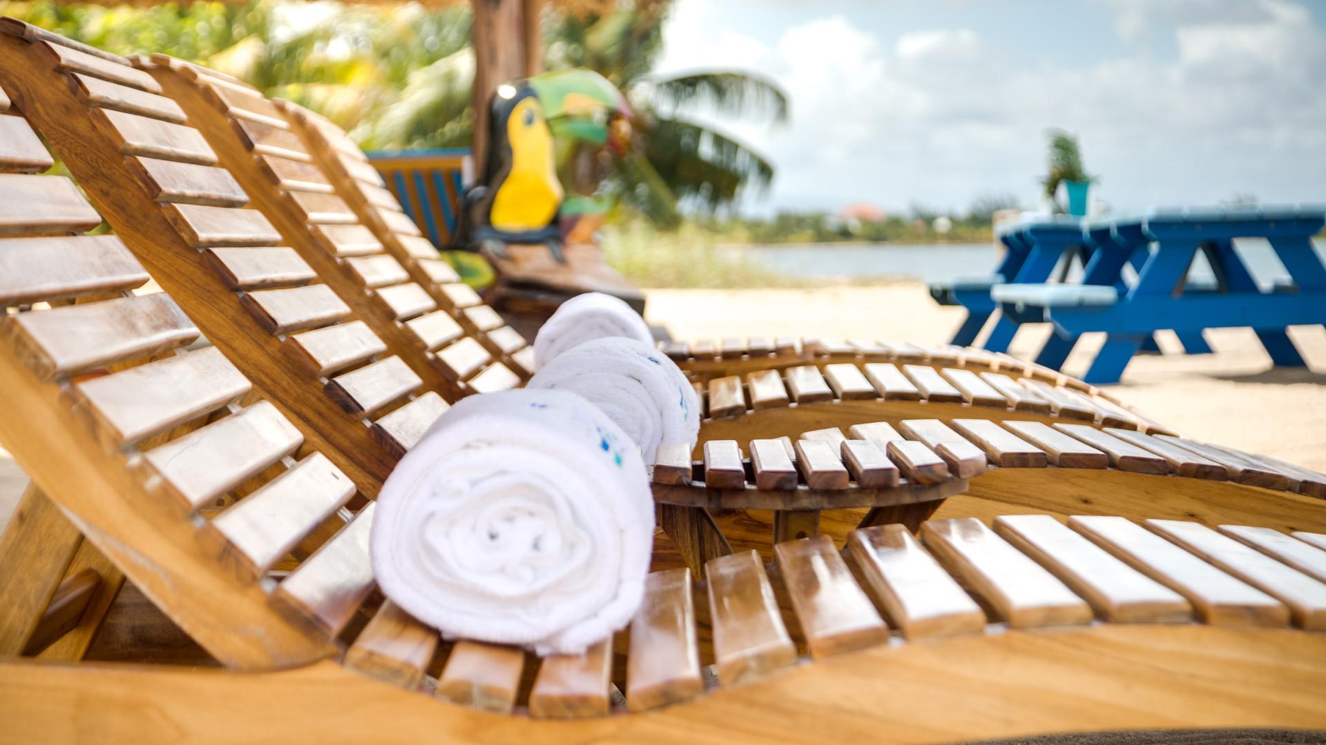 Ocean Breeze - Lounge chairs