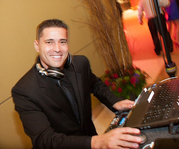 DJ David Natola