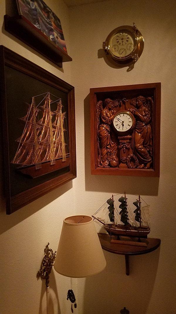 Titanic collection of Peter Makres.jpg