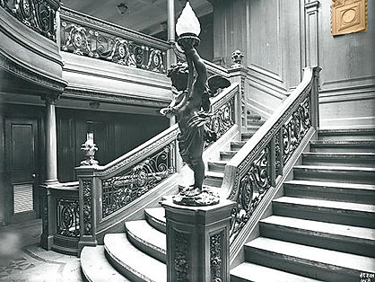 Aft first-class staircase on the Titanic and Olympic ships featured the same style of cherubs as on the forward Grand Staircase.