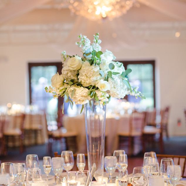 white centerpiece_tall centerpiece_scott