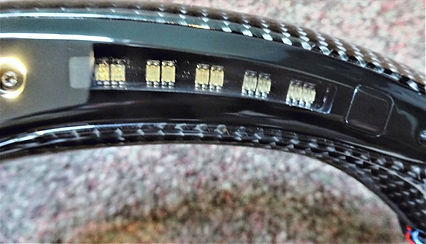 BMW%20CARBON%20WHEEL%20WITH%20%20LED%20T