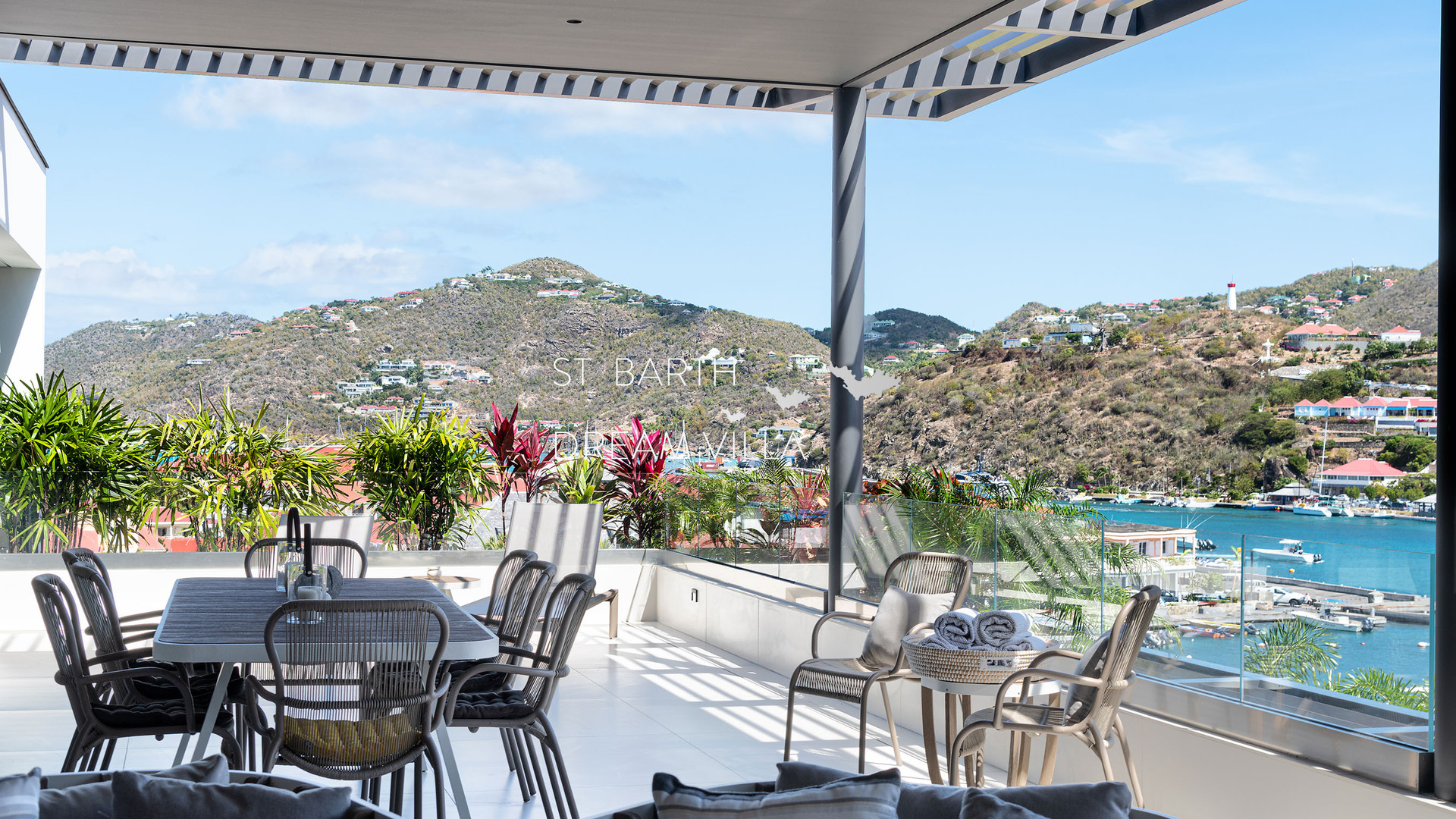 A-OUTDOOR (1)-1800-StBarthDreamVilla-Ren