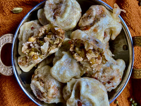 SUKHIYAN- frittierte Mungbeanballs