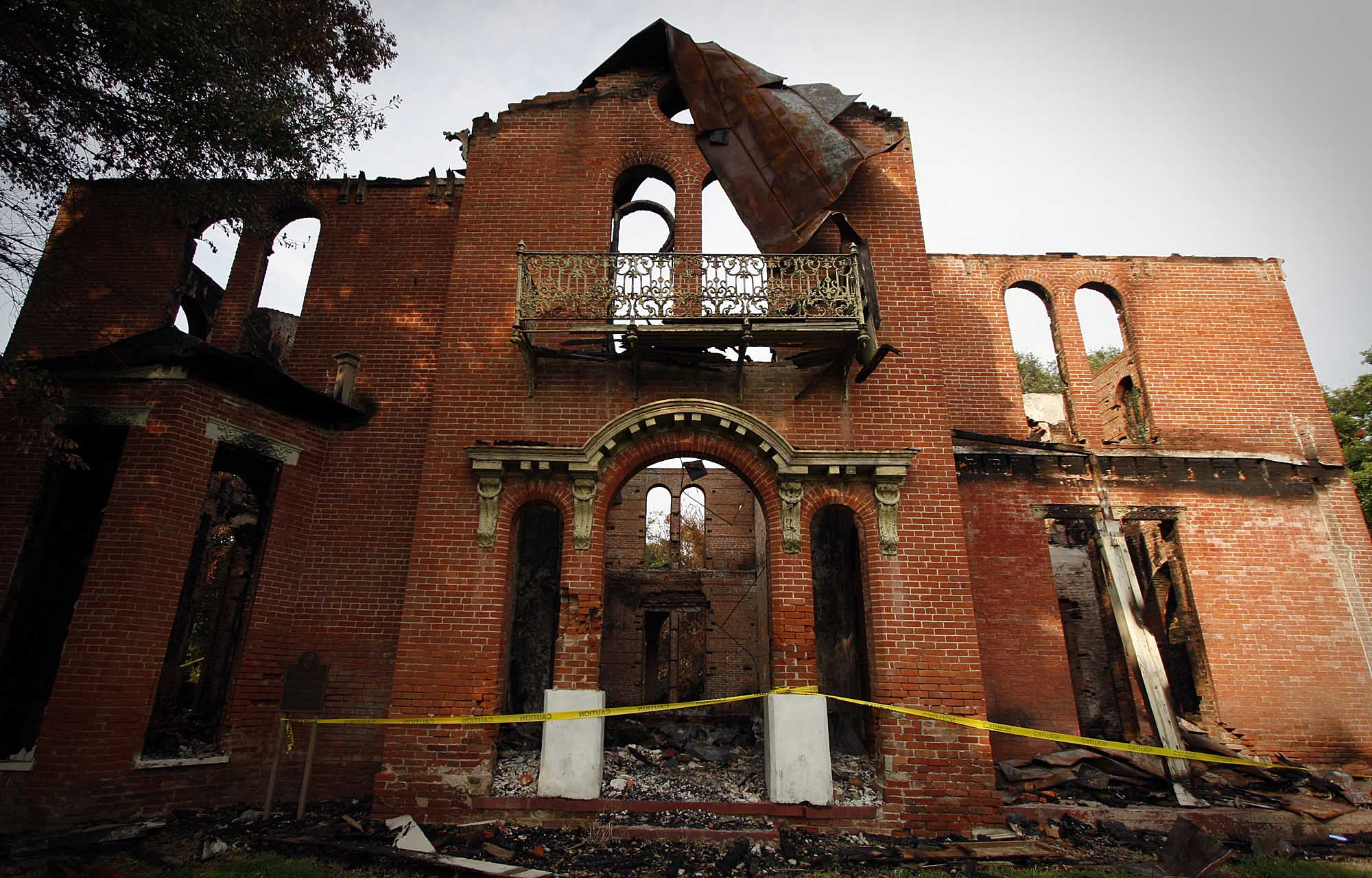 Mississippi Delta mansion destroyed