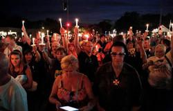 Elvis candlelight vigil at Graceland