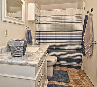 Coastal Bathroom - Home Staging