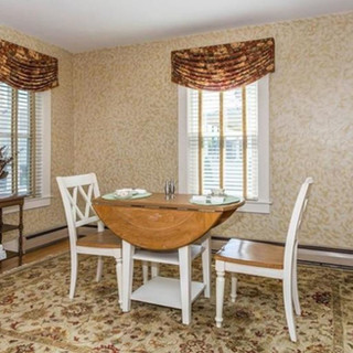 Traditional Eat-In Area - Home Staging