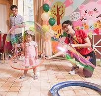 bubble show泡泡魔術表演.JPG.jpg
