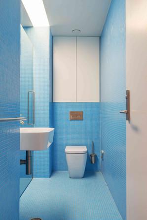 Kent House-020-bathroom.jpg