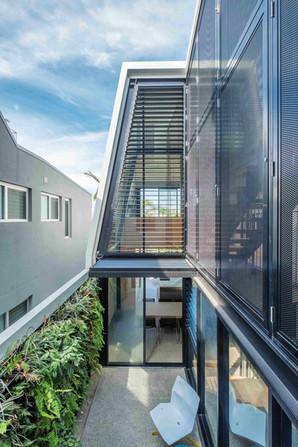 Kent House-001-courtyard.jpg