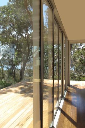 Minkara Deck-002-sliding doors.jpg
