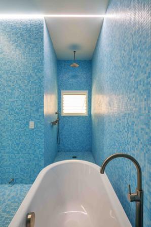 Kent House-019-bathroom.jpg
