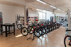 Tof-Bike-Services-magasin (2).jpg