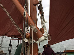 Spreet & snotter on a Thames barge
