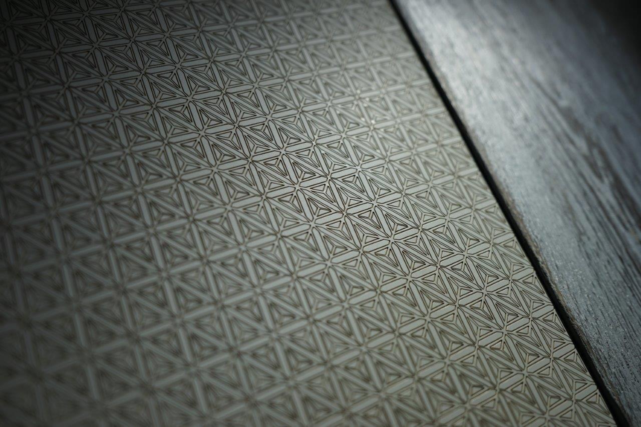 laser_engraving_fenix_and_wood.jpg