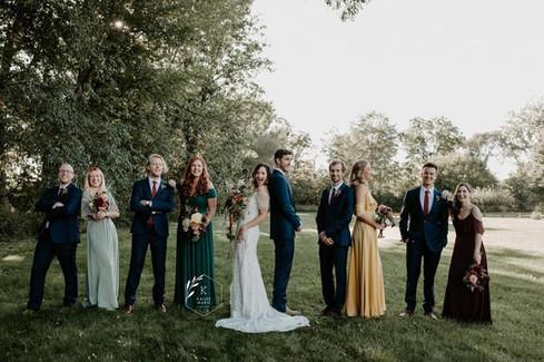 bridal-party-blue-heron-barn