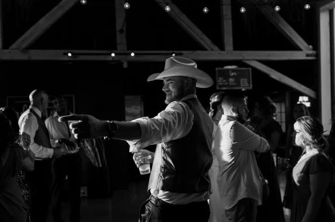 groom-cowboy-het