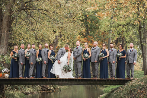 bridal-party-bridge-blue-heron-barn