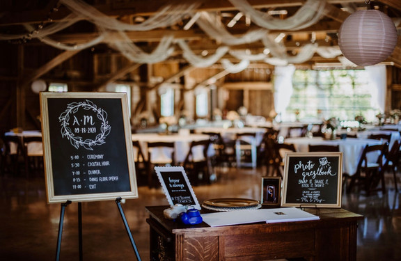 barn-wedding-reception-blue-heron-barn