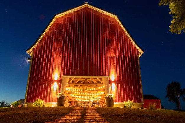Red-barn-blue-heron-barn