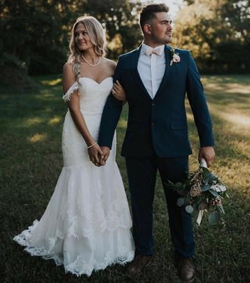 bride-groom-blue-heron-barn.jpeg