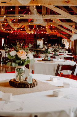 barn-centerpiece-table