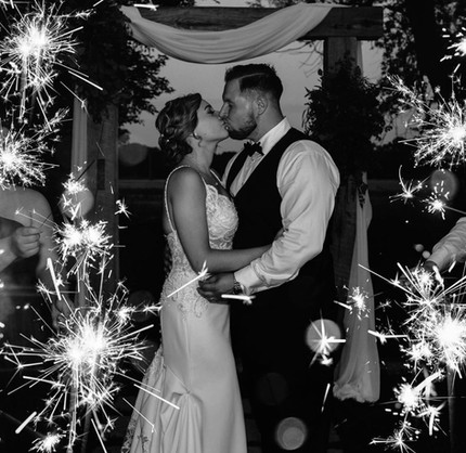 bride-groom-sparklers-blue-heron-barn