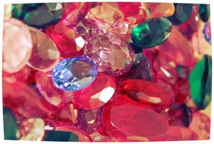 Le pietre e i colori come rimedi astrologici