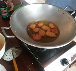 cooking bergedel (fried corn)