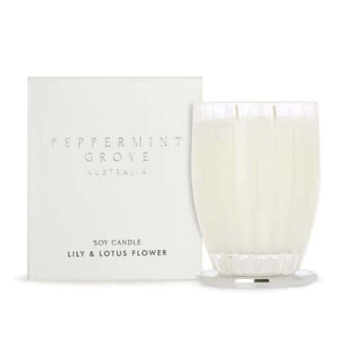 LILY & LOTUS FLOWER CANDLE