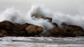 SO17 Crashing Waves