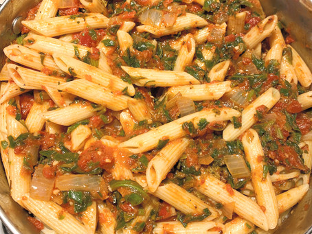 Italian Pasta with Smoky Red Spinach Sauce