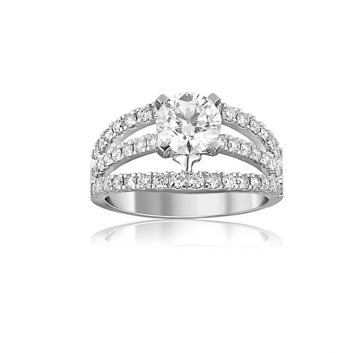 Sparkling Deluxe Solitaire Ring