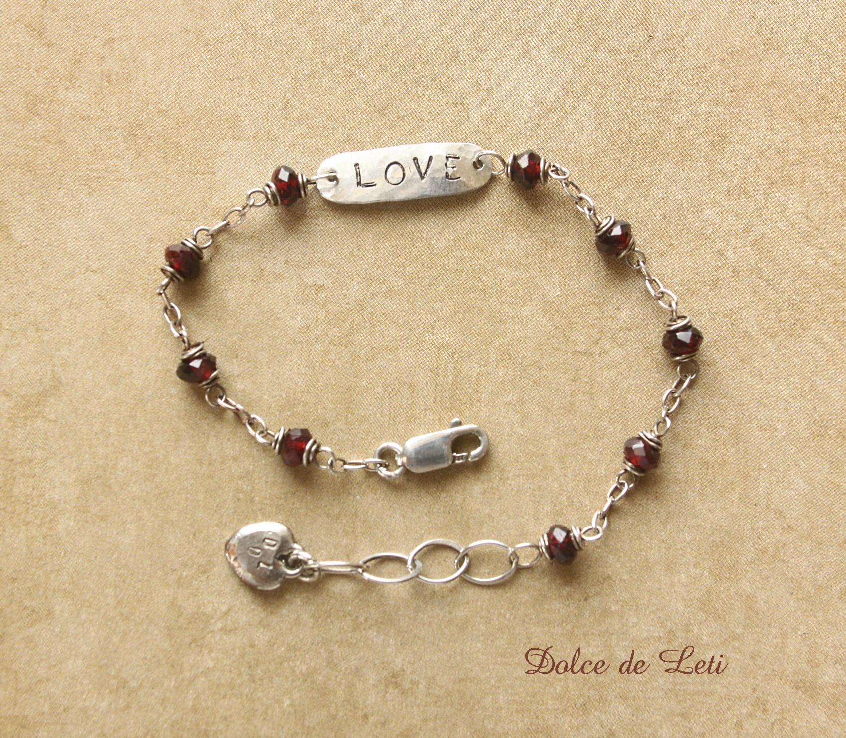 Bracelet - B010 garnet, silver LOVE tag