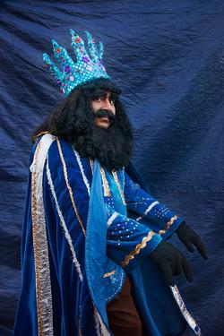 Rey coronado en azul copy