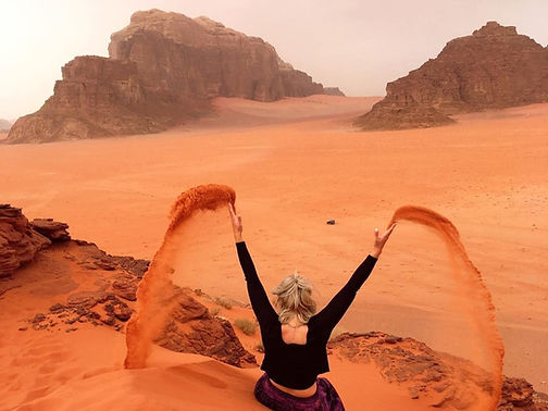 Mushroom-rock-wadi-rum.jpg
