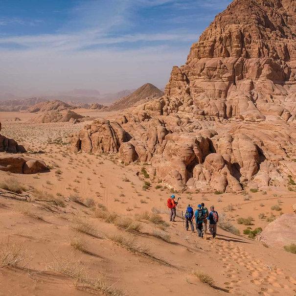 rando-dans-le-wadi-rum-en-jordanie-12256.jpg