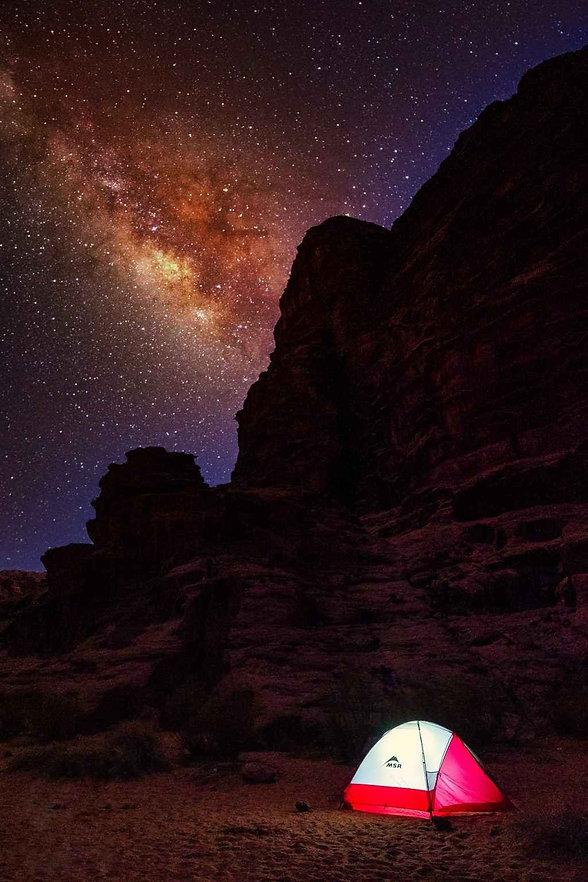 Sleeping-Under-The-Stars-Wadi-Rum.jpg
