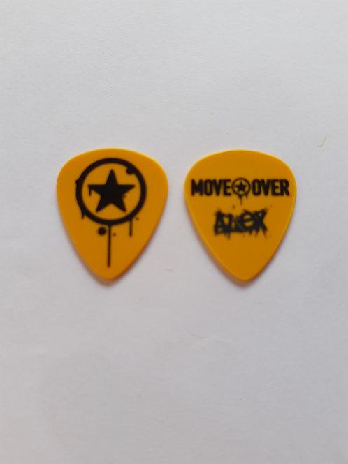 Move Over - Alex - Amarela