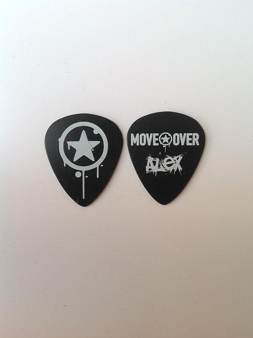 Move Over - Alex - Preta