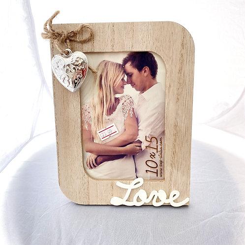 Cornice in legno con cuore in silver