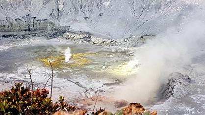 Le cratère du volcan Poas