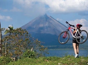 Discover the Arenal Volcano by mountain bike