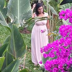 Casada en un jardín tropical